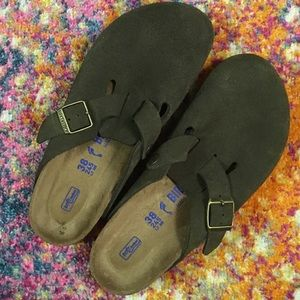 Olive green Birkenstock Boston clog